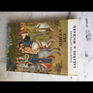 Moyen Age (in French)